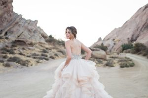 10 Epic Bridal Photos From This Vasquez Rocks Bridal Photography Workshop